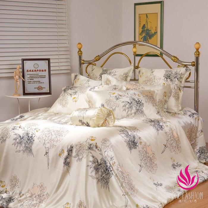 Orifashion Silk Bedding 8PCS Set Printed Floral Patterns Queen S